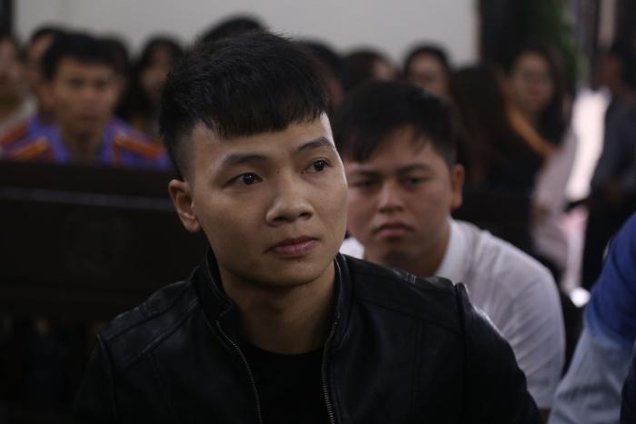 Khá Bảnh có tên thật là Ngô Bá Khá, anh sinh ngày 27 tháng 11 năm 1993