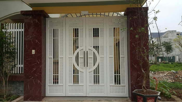 Cổng và cửa nhà có ảnh hưởng rất lớn đến phong thủy của toàn bộ căn nhà