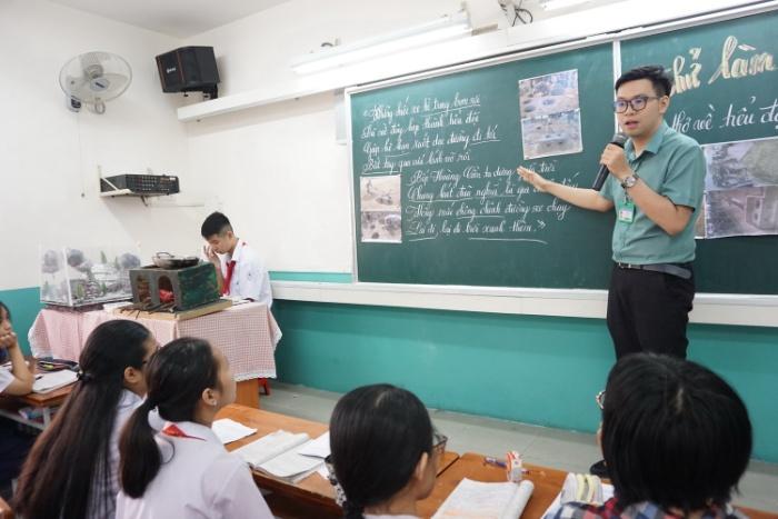 Chiêm bao thấy thầy giáo đuổi mình ra khỏi lớp thì rất có thể chủ nhân cần thay đổi ngay cách nhìn nhận cuộc sống