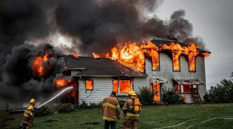 Giấc mơ thấy công ty mình làm việc bốc cháy là ám chỉ cho sự xui xẻo