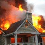Có rất nhiều giấc mơ thấy nhà bị bốc cháy